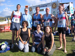 Farnham Runners team at the 2005 Race The Train event