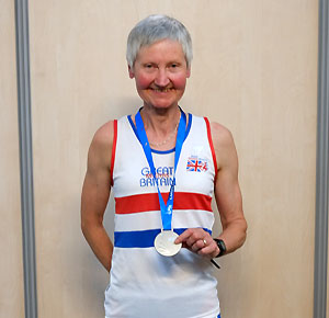 Jane Georghiou with team silver medal for the 2015 World Masters cross-country race
