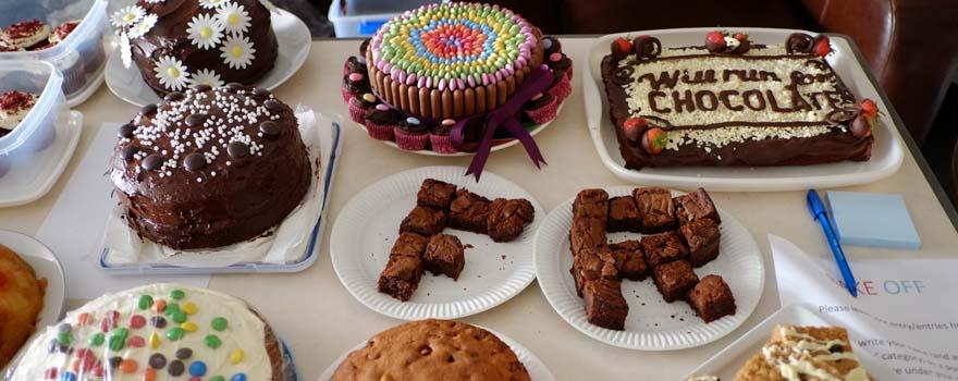Farnham Runners themed cakes on display