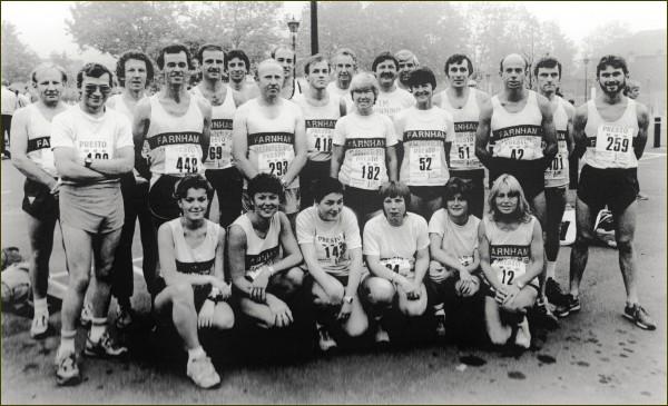 Farnham Runners team at the Farnham Half Marathon in 1986