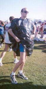 Stoofer posing in bin liner at 2000 London Marathon