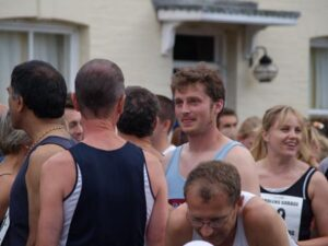 Tim Cummings at start of 2006 Elstead Marathon