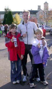 Charles Ashby and his children at the 2006 Gosport Half Marathon