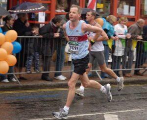 Charles Ashby running in the 2006 London Marathon