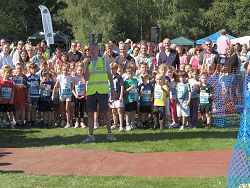 Charles Ashby starting the kids race at the 2010 Alice Holt Races