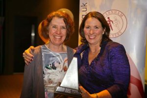 Jackie Wilkinson receives trophy at 2018 Annual Awards Dinner