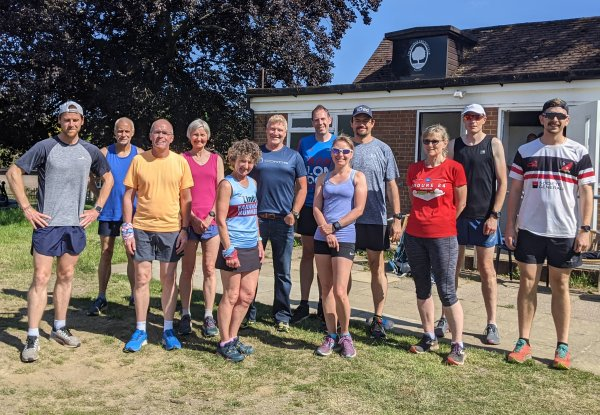 2021 Shane Benzie course - group of Farnham Runners attending the course with Shane Benzie centre